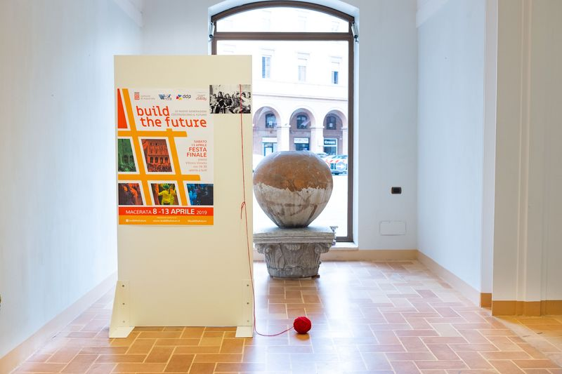 La mostra di Build The Future alla Biblioteca Mozzi Borgetti
